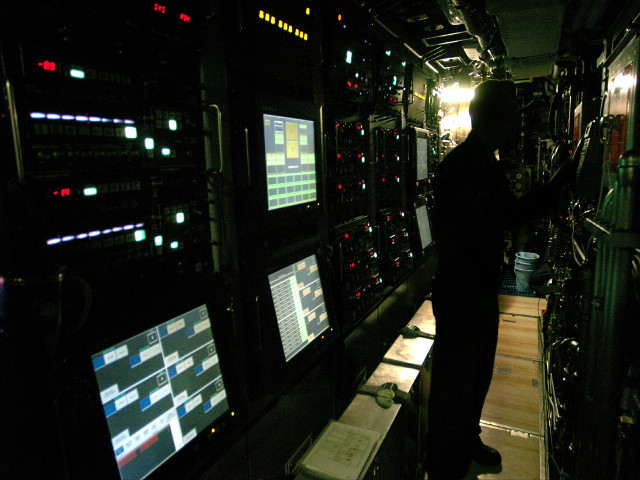 Source: Wikimedia (https://commons.wikimedia.org/wiki/File%3AUSS_Virginia_torpedo_control_panel.jpg)
